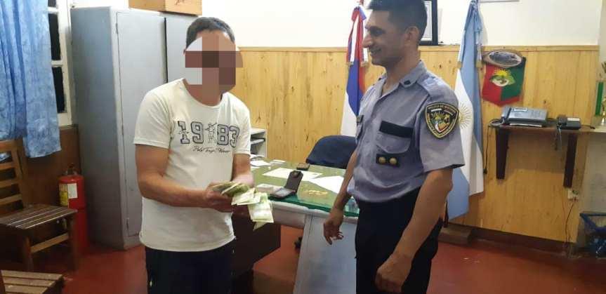 Devolvió una billetera con $ 4005 que su hermano de 11 años le había robado a unpensionado