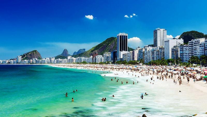 Menos turistas argentinos pasaron a Brasil en lo que va de latemporada