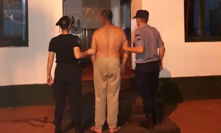 Ebrio detenido por agredir a su mujer e hija cerca de un bar en SantaRita