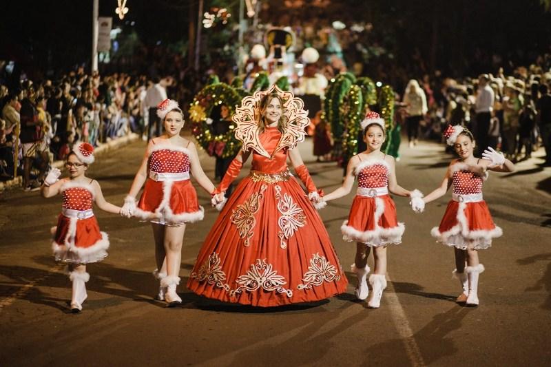 """Noche de folklore y talentos en la Fiesta de la Navidad, hoy """"Los Tenores del TeatroColón"""""""