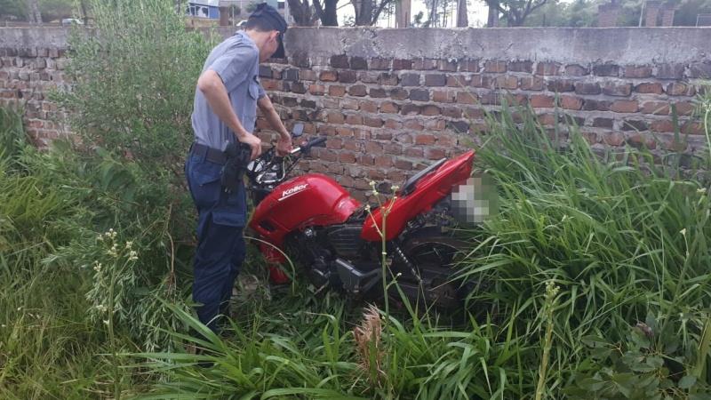 Moto robada en el barrio Oleaga fue encontrada oculta en un terrenobaldío
