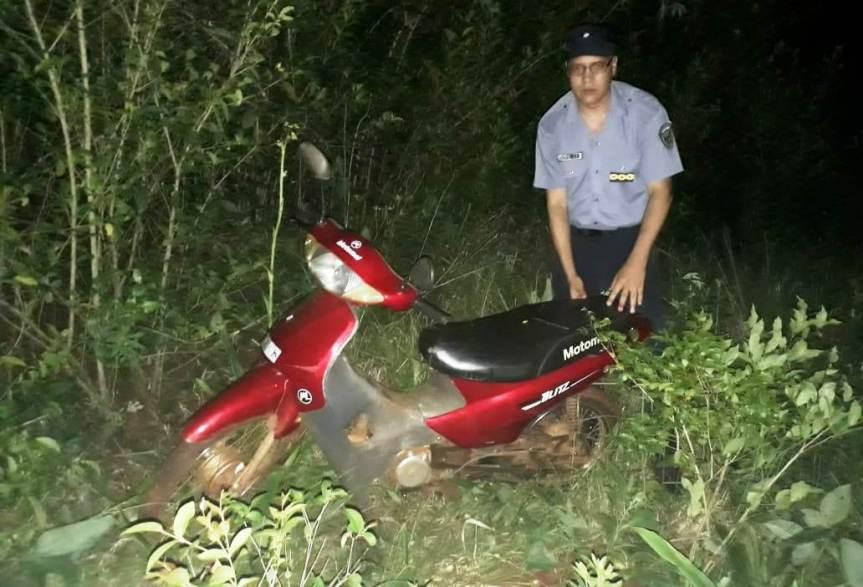 Un detenido y dos adolescentes demorados por robar y ocultar una moto y unamotoguadaña