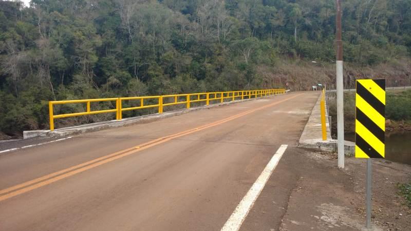 """Iluminaron accesos al puente internacional """"Paso Rosales"""" conBrasil"""