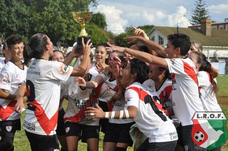 Femenino: River de Villa Bonita gritóCampeonas