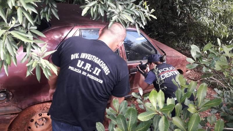 Hallaron en el monte auto robado en barrio 21Viviendas