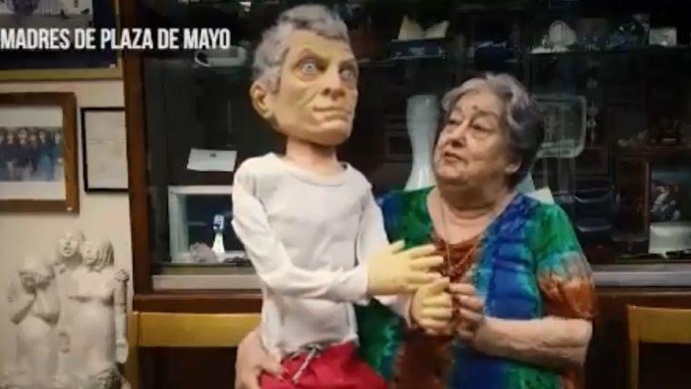 "Hebe de Bonafini se mostró con un títere de Macri llamado""MirkoRupto"""