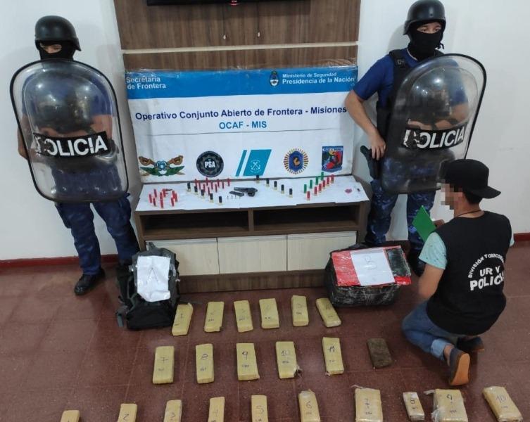 "Narco armado huyó abandonando 29 ""panes"" demarihuana"