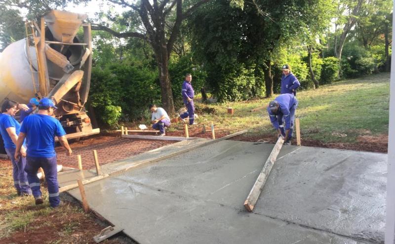 Construyen cordón cuneta en Cien Hectáreas y en calle ApóstolesNorte