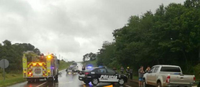 Dos chicas de 14 y 11 años gravemente heridas tras chocar contra una camioneta en la ruta14
