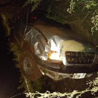 Perdió el control con la camioneta y volcó cerca de la ruta 103