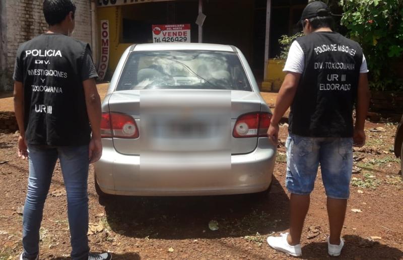 Secuestraron un auto adulterado y detuvieron a su conductor concocaína