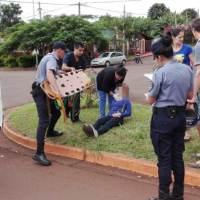 Dos motociclistas heridos tras chocar contra una camioneta