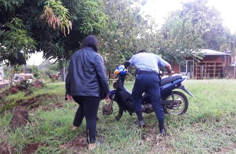 Hallaron en el monte una moto robada del patio de unacasa