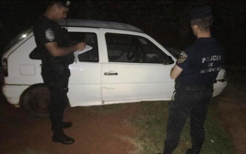 Auto robado fue hallado abandonado en undescampado
