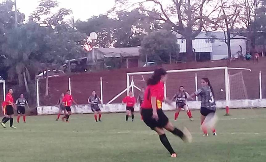 Las Millonarias golearon 5 a 0 en el Estadio EnriqueSpeyer