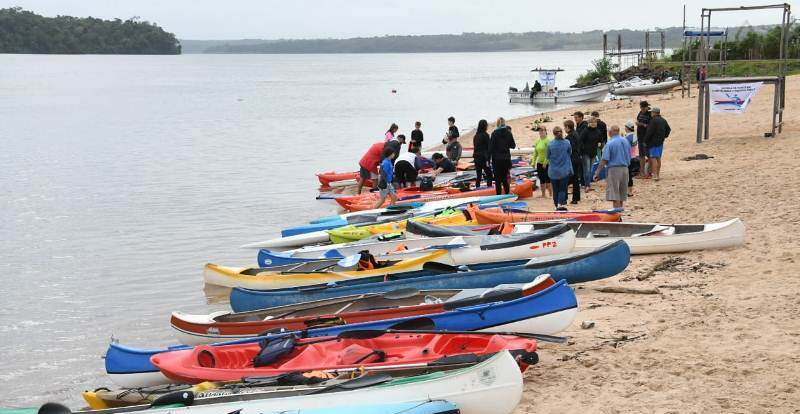 La EBY entrega un predio a la Asociación Misionera de Canoas yKayaks