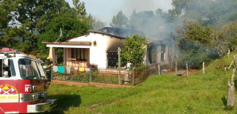 Combatieron incendio en la casa de una pareja deancianos