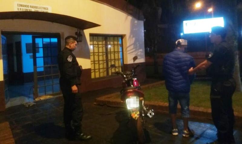 Delincuente intentó huir y abandonó una moto robada en VillaCristen