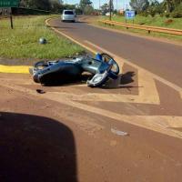 Motociclista con politraumatismos tras colisionar con otro en la rotonda