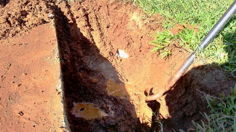 Agua Potable: reparación de emergencia de un caño roto en Av. JoséIngenieros