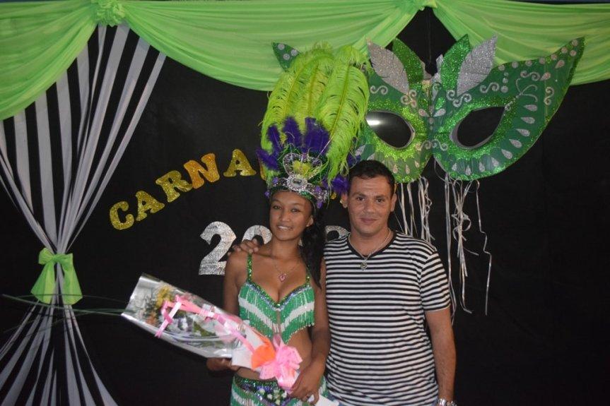Con un Matiné Bailable y Show de Batucadas Campo Viera coronó su reina de carnaval2019*