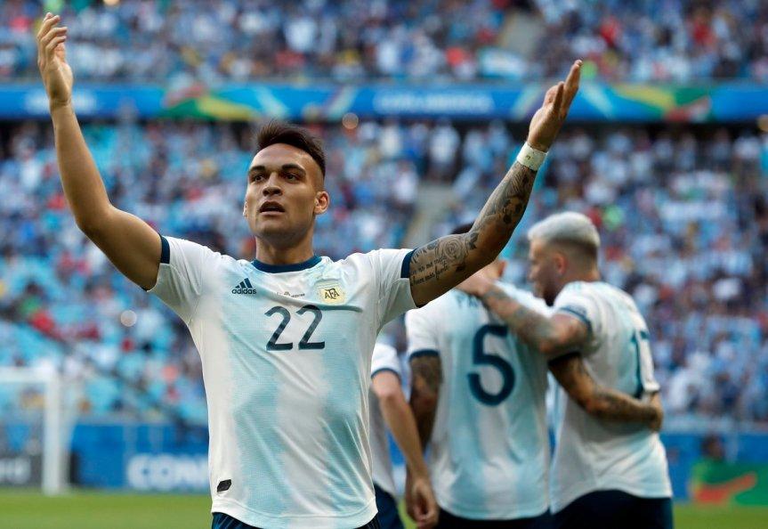 2-0: Argentina le ganó a Qatar y se clasificó acuartos