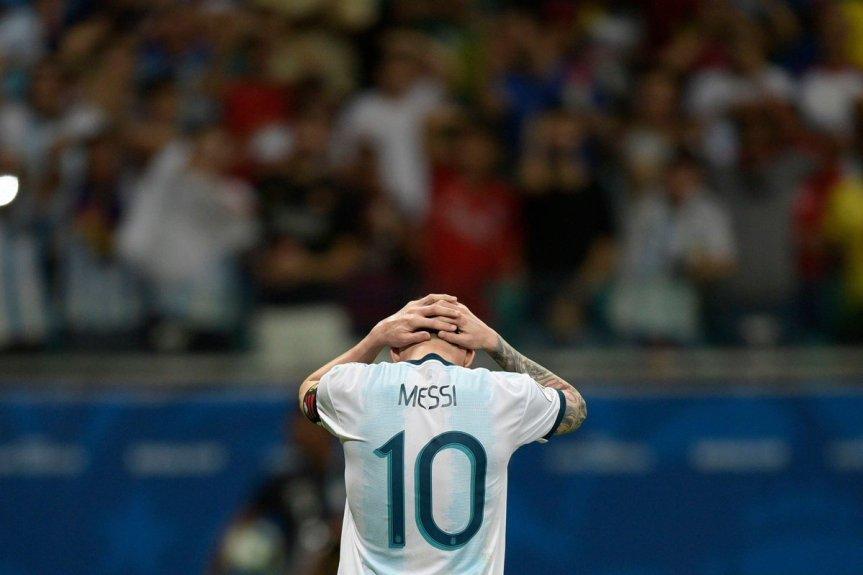 Messi sancionado: una fecha de suspensión y U$S 1500 por la roja contraChile
