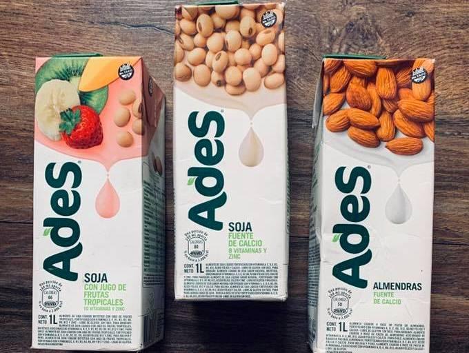 Recomiendan no consumir leche de soja y almendras ultraprocesadas por sus fitoestrógenos, antinutrientes y acidez que dañan el esmaltedental