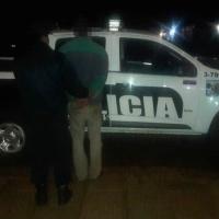 Llamó a la policía porque un cliente se puso violento en el local y fue detenido