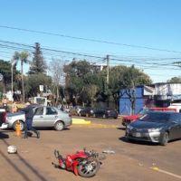 Choque en intersección de las avenidas Libertad e Italia dejó a un motociclista herido