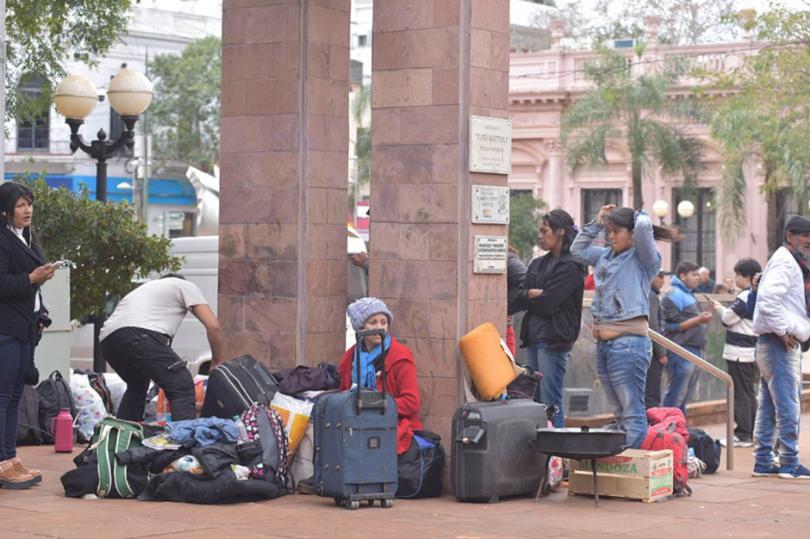 """Tareferos volvieron de protestar en Buenos Aires: """"los meses de interzafra son mera supervivencia, sí o sí dependemos de unaayuda"""""""