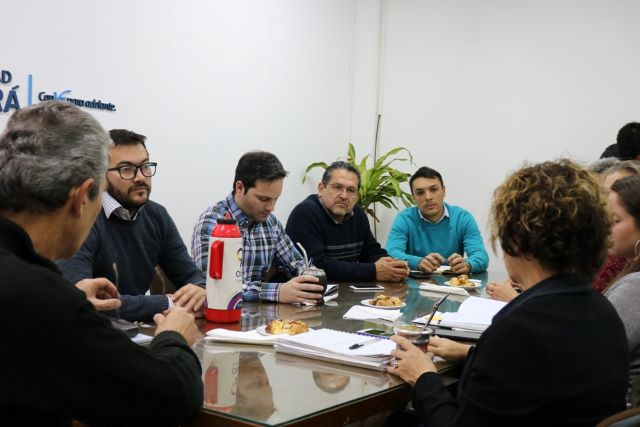 El municipio planifica el festejo de los 25 años de la Feria Franca y acciones con el Ministerio de AgriculturaFamiliar