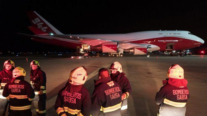 Incendio del Amazonas: El avión bombero más grande del mundo llegó a Bolivia desdeEE.UU