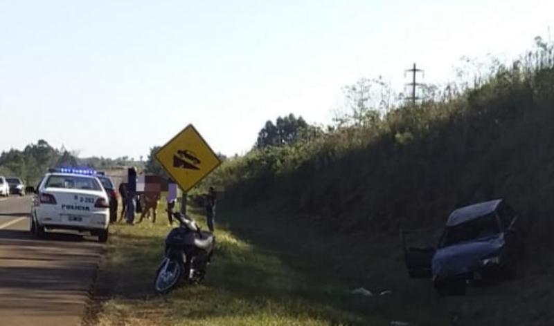 Chocó con un motociclista y volcó en la ruta14