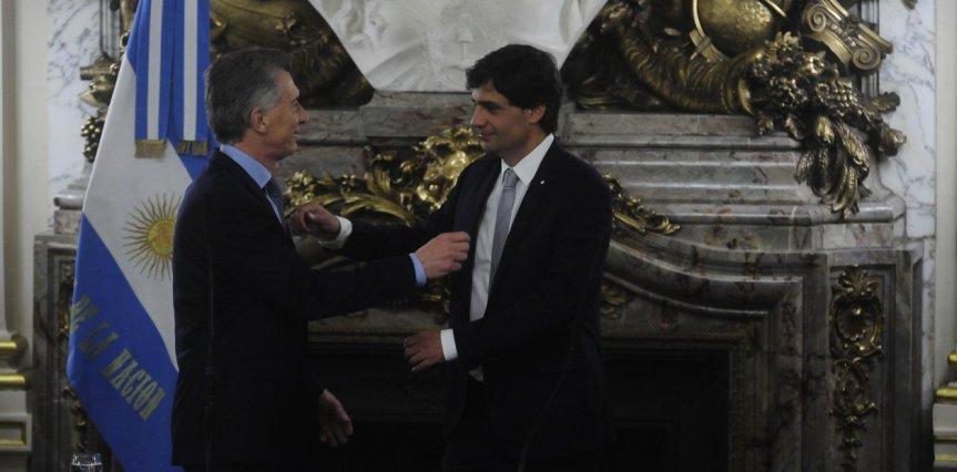 Asumió Hernán Lacunza: ratifica la política fiscal y la ayuda social y habría medidas por eldólar