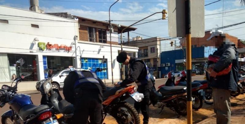 Operativos: Un detenido por agredir a su pareja, otro por disturbios y cinco motosretenidas