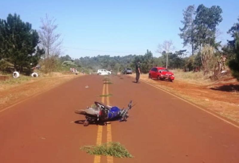 Motociclista falleció tras ser embestido por un auto en la ruta24