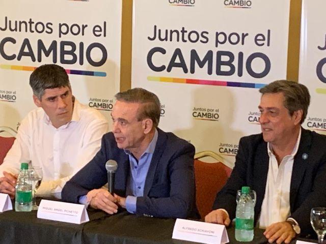 """Pichetto en el cierre de campaña en Misiones: """"hablamos sobre los temas económicos que hay quecorregir"""""""