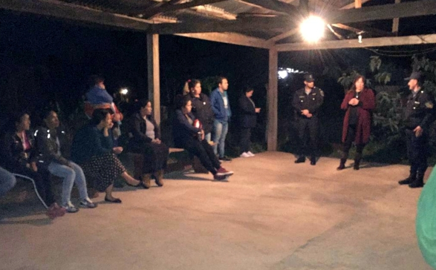 La Policía Comunitaria se reunió con vecinos deAlem