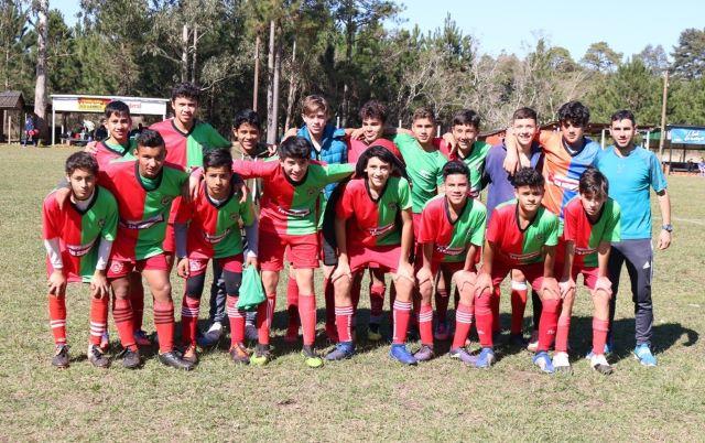 Juegos Deportivos Misioneros: Oberá clasificó para el provincial de Hándbol yFútbol