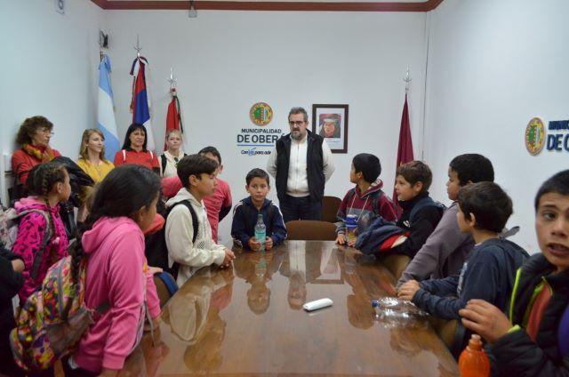 Alumnos de la escuela N°395 visitaron la Municipalidad, el Concejo Deliberante y la URII