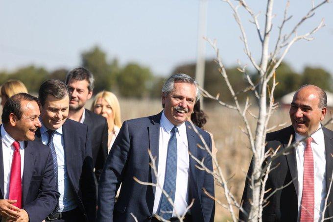 """Fernández pidió a Macri """"conciliar políticas de cambio"""" para una transición ordenada hasta el 10 dediciembre"""