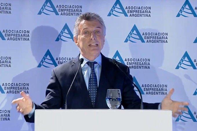 Macri prometió beneficios para empresas que contraten a jóvenes con pocaexperiencia