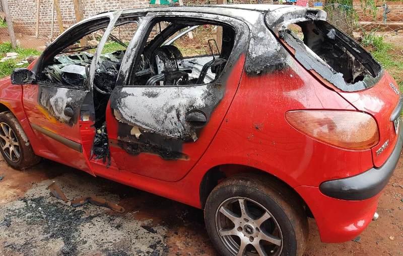 Sujeto fue detenido por el incendio de dosautos