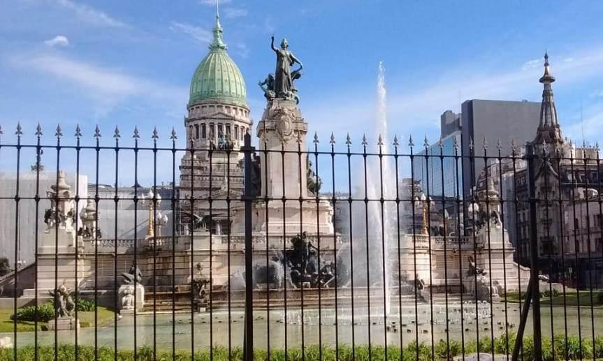 Cristina Kirchner y Sergio Massa otorgaron un aumento a los empleados delCongreso