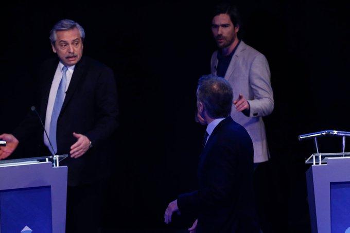 """Macri y Fernández se increparon detrás del escenario: """"sos un inmoral y un mentiroso"""""""