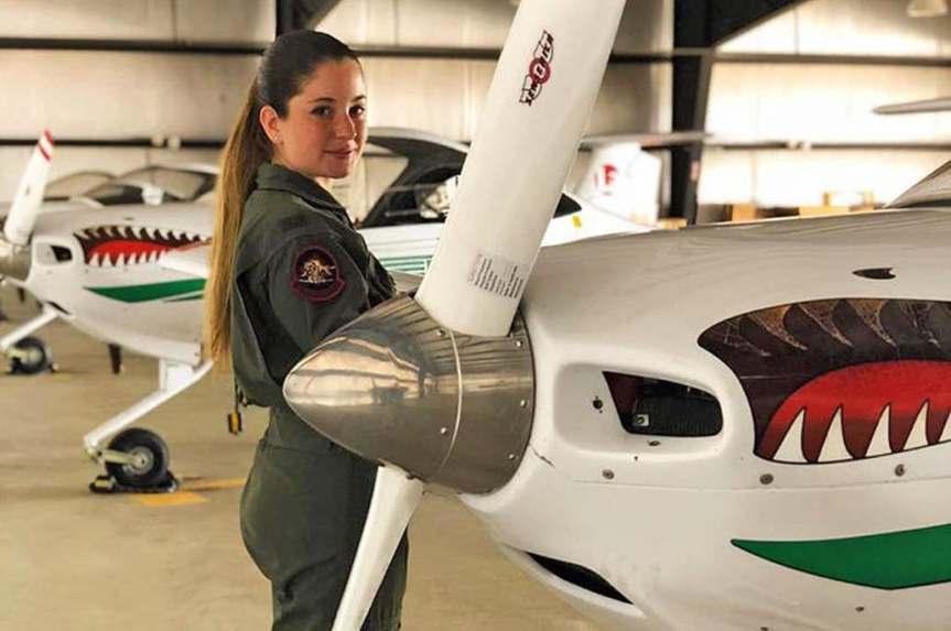 Una argentina se graduó con el mejor promedio y es la primera piloto de la Fuerza Aérea deEE.UU