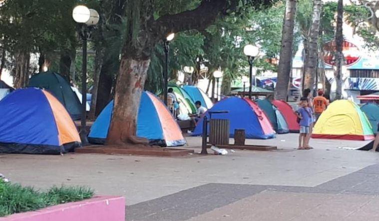 """Tareferos volvieron a la plaza: """"inició la zafriña pero te exigen que te blanqueen…no tendremos para comer enero yfebrero"""""""