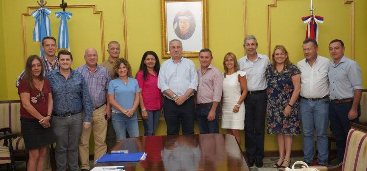 La provincia y municipios firmaron convenio sobre EmergenciaAlimentaria: