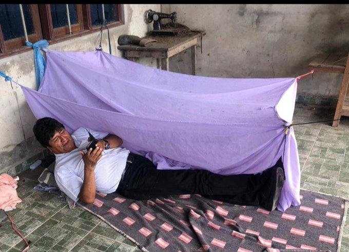 Evo Morales y su primera noche fuera de La Paz y confirmó que viajó aMéxico